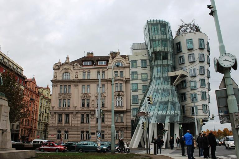 Zgrada koja pleše (Dancing house), Foto: Jasna Gajević