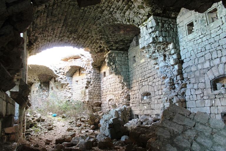 Unutrašnjost tvrđave Kosmač. Foto: Jasna Gajević