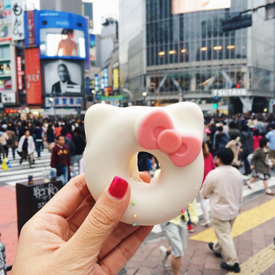 """""""Hello Kitty"""" krofna- Japan"""