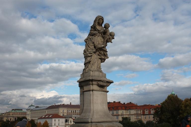 Jedna od 30 skulptura na Karlovom mostu, Foto: Jasna Gajević
